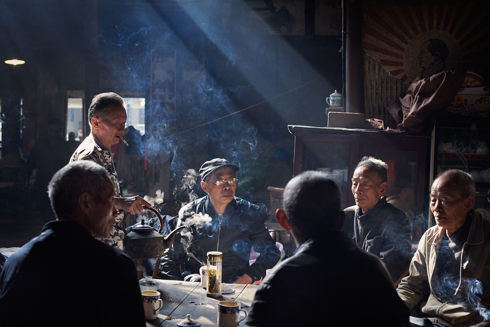 People Portraits Photography :  Gathering of friends in the oldest teahouse in China, Sichuan province